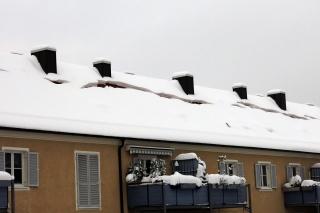 Lavinengefahr<br>Das rumst bestimmt ordentlich, wenn der halbe Schnee auf einmal runterplumpst...