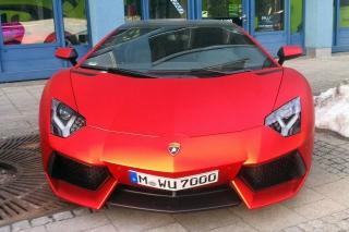 Die Flunder<br>Ich glaube, ich will gar nicht wissen, was so ein Wagen kostet. Den Quadratmeter Folie gibt es ab 15€