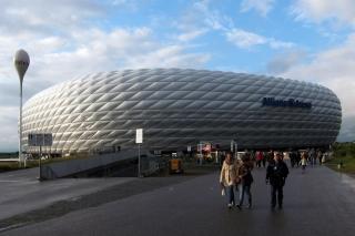 Die Allianz Arena<br>Ich finde ja immernoch, dass sie etwas von einem UFO hat.