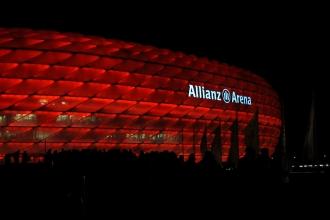 Die Arena<br>Macht sich gut, so in rot