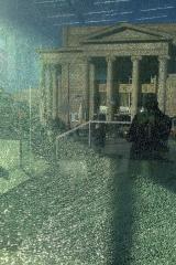 Immernoch oder schon wieder?<br>Dieses Bild hab ich in einem der ersten Blogartikel schonmal gehabt. Damals war aber eine andere Scheibe am Museum kaputt.