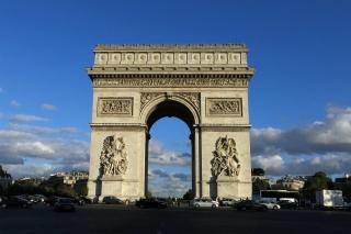 Arc de Triomphe<br>Etwa 300m von meinem Hotel entfernt und die einzige Touristenattraktion, die ich mir ausführlich ansehen konnte